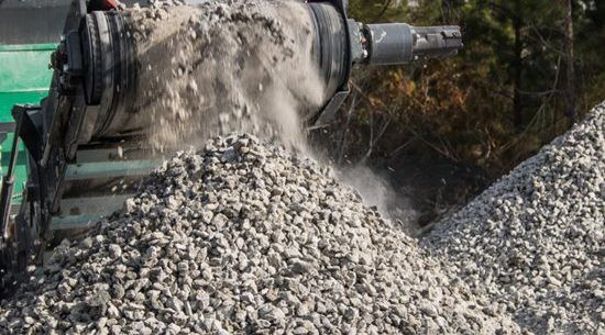 """UAB """"AR10"""" gavo taršos leidimą, suteikiantį teisę tvarkyti betono, plytų, keramikos atliekų, bituminių mišinių atliekas"""